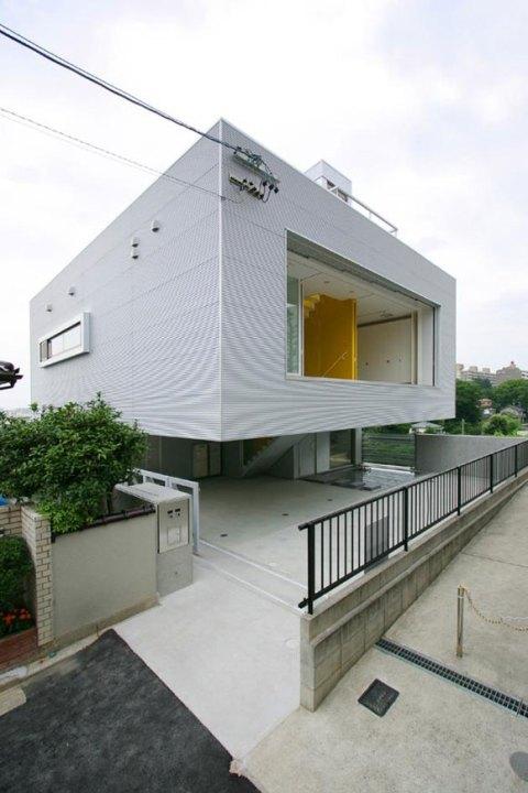 М-дом (M-house) архитекторов Мишеля Веник (Michel Weenick) и Брайна Вайта (Brian White) в Нагое, Япония