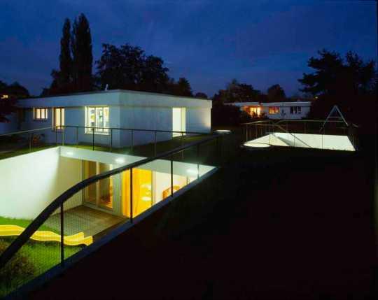 Дом семьи Гросс (House Gross) в Грейфенси (Greifensee) от EM2N