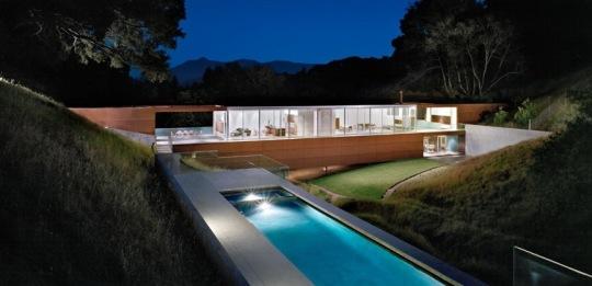 Дом-мост (Bridge House) в США от Stanley Saitowitz Natoma Architects