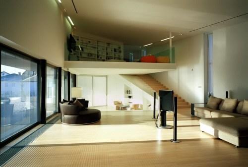 House V 13