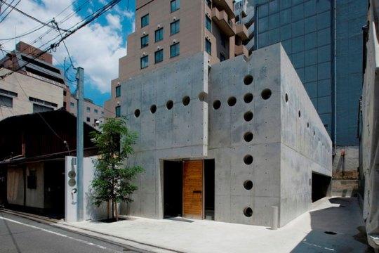 Дом с вершиной (House with Crest) в Киото от Eastern Design Office