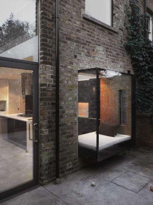 Modern Oriel Window 1