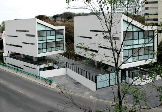 4 дома LCC (4 CASAS LCC) в Мехико от Gaeta Springall Arquitectos