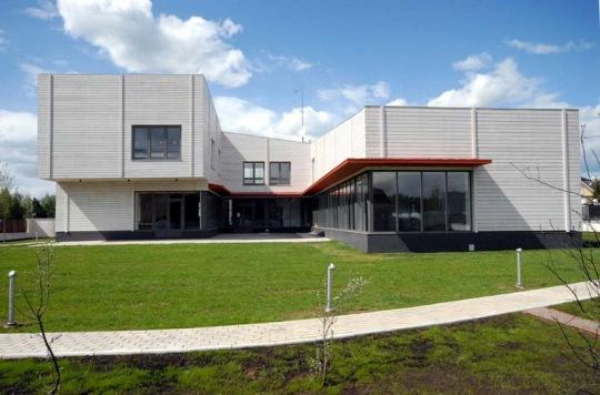 Дом из лиственницы (Larch House) в Подмосковье от McAdam Architects