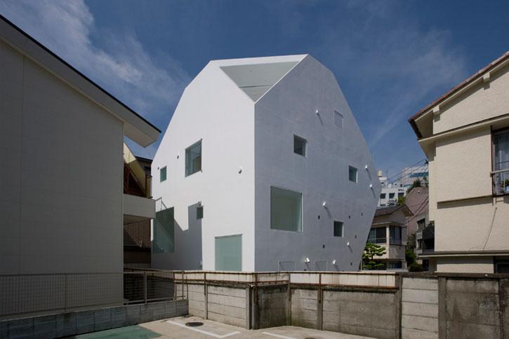 Sorte house в Токио от A.L.X.