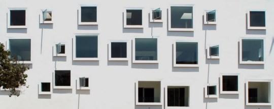 Квадратные окна