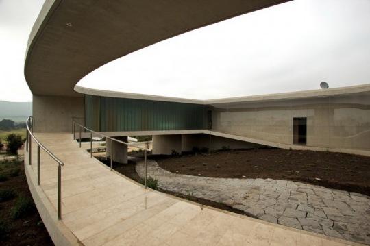 Дом «Белое О» (White O) в Марбелье от Тойо Ито (Toyo Ito)