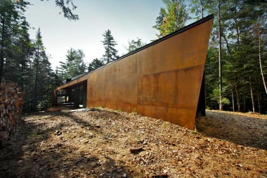 Дом «Геометрия в чёрном» (Geometry in Black) в Канаде от YH2_Yiacouvakis Hamelin architectes