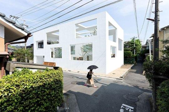 Дом Н (House N) в Японии от Sou Fujimoto Architects