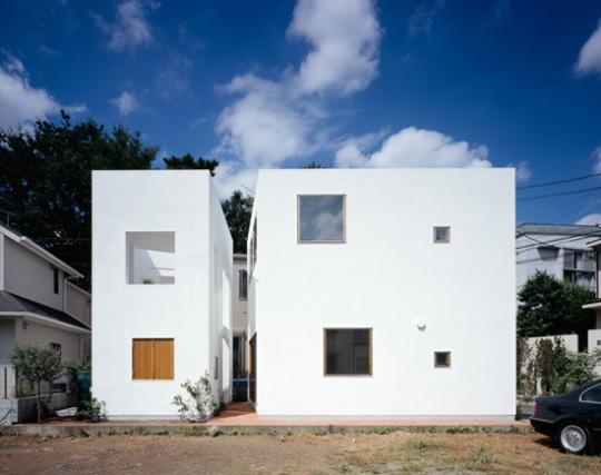 Внешний и внутренний дом (insidehouse & outsidehouse) в Японии от takeshi hosaka architects