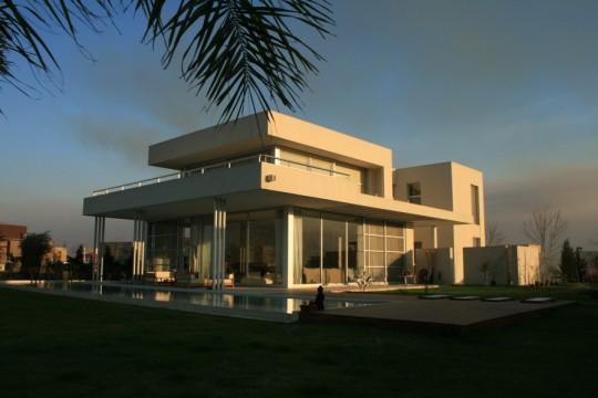 Дом-вода (Casa Agua) в Буэнос-Айресе от Barrionuevo – Sierchuck Arquitectas