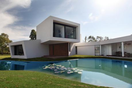 Дом-орхидея (Casa Orqui?dea) в Аргентине от Andres Remy Arquitectos