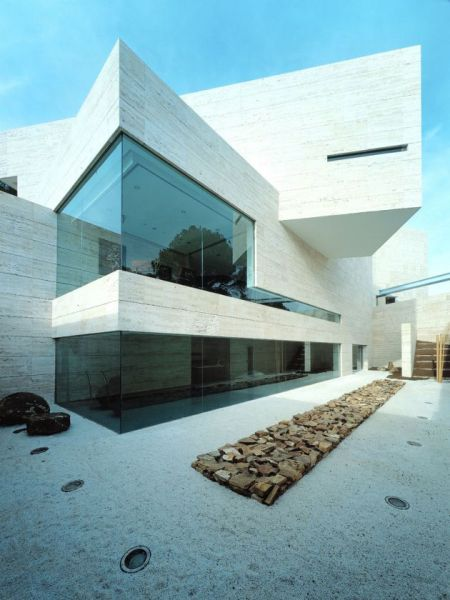 Дом в Посуэло-де-Аларкон (House in Pozuelo de Alarc?n) в Испании от A-Cero Arquitectos