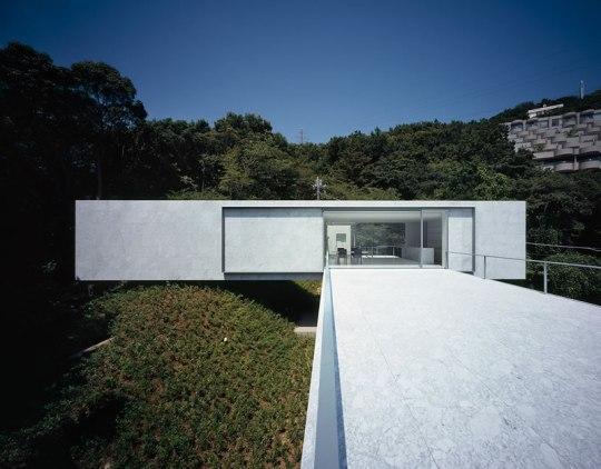 ПЛЮС-дом (PLUS house) в Японии от Mount Fuji Architects Studio