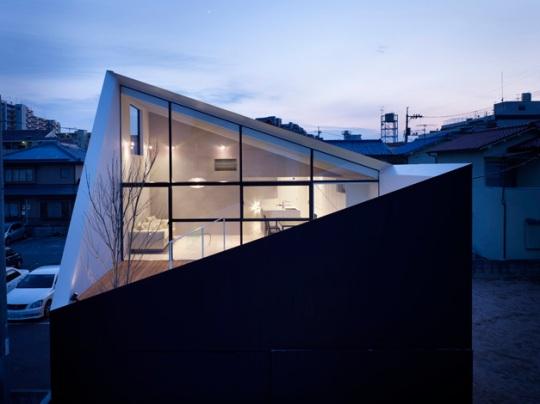 Завёрнутый дом в Хиросиме